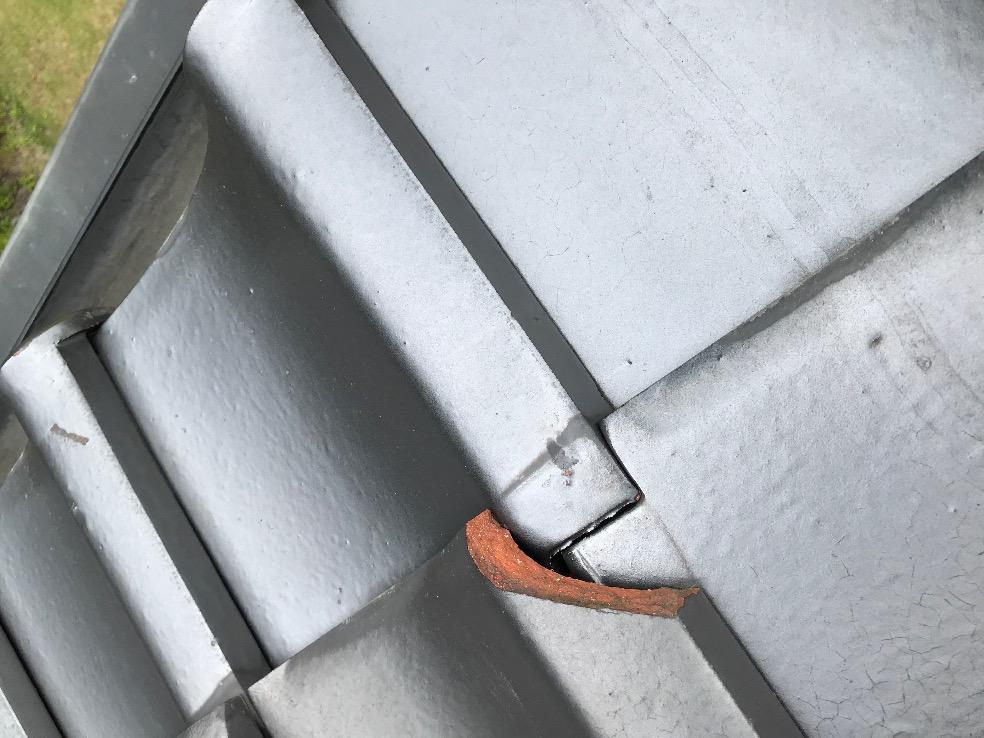 仙台市青葉区にて瓦屋根の破損